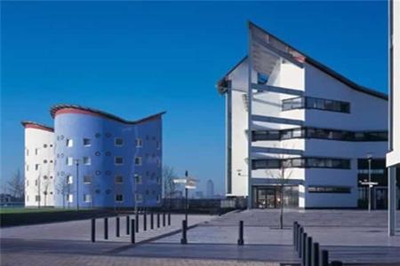 英国东伦敦大学