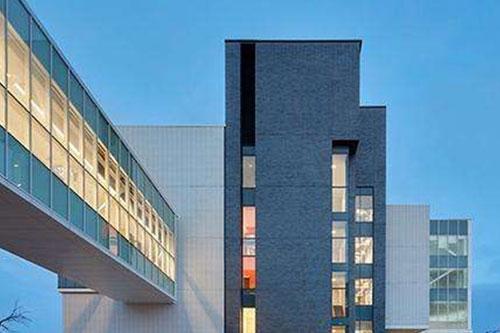 加拿大-谢尔丹理工学院